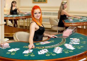Giocare al BlackJack interagendo con ragazze italiane
